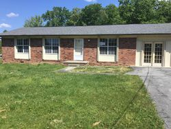 Edmonds Dr - Oliver Springs, TN Foreclosure Listings - #28789052