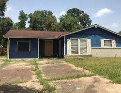 Oak Knoll Ln - Houston, TX Foreclosure Listings - #29675306